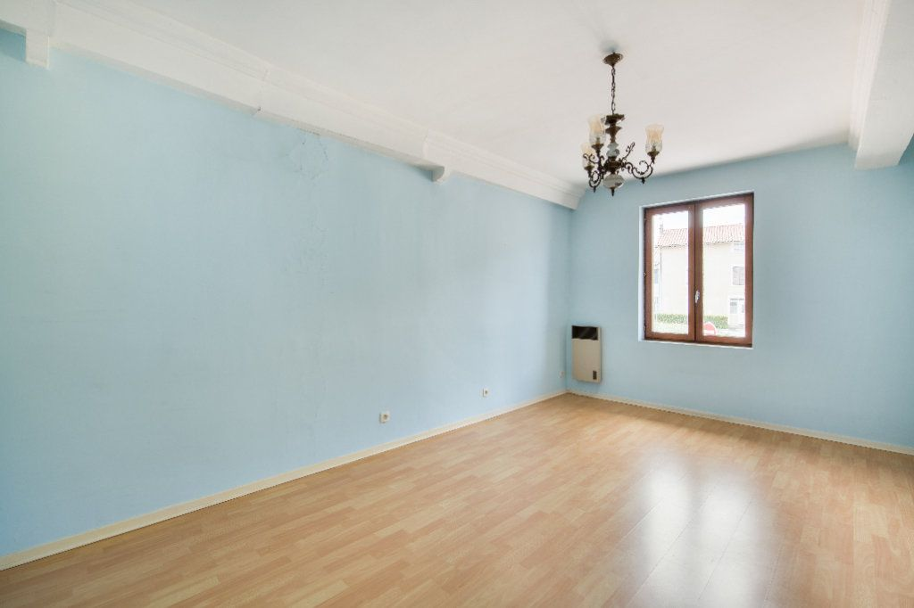 Maison à vendre 4 120m2 à Ambérieux-en-Dombes vignette-6