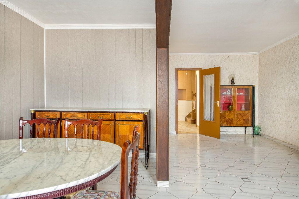 Maison à vendre 4 120m2 à Ambérieux-en-Dombes vignette-12