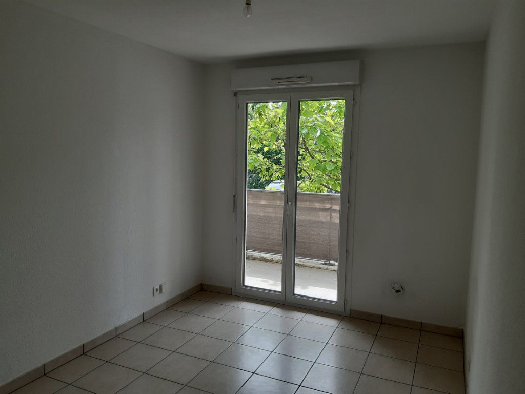 Appartement à louer 3 55.63m2 à Gex vignette-7