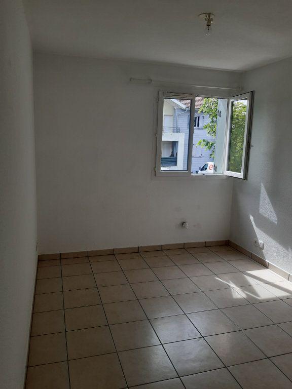Appartement à louer 3 55.63m2 à Gex vignette-9