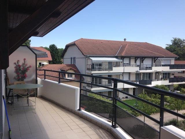 Appartement à louer 2 48.4m2 à Saint-Genis-Pouilly vignette-1