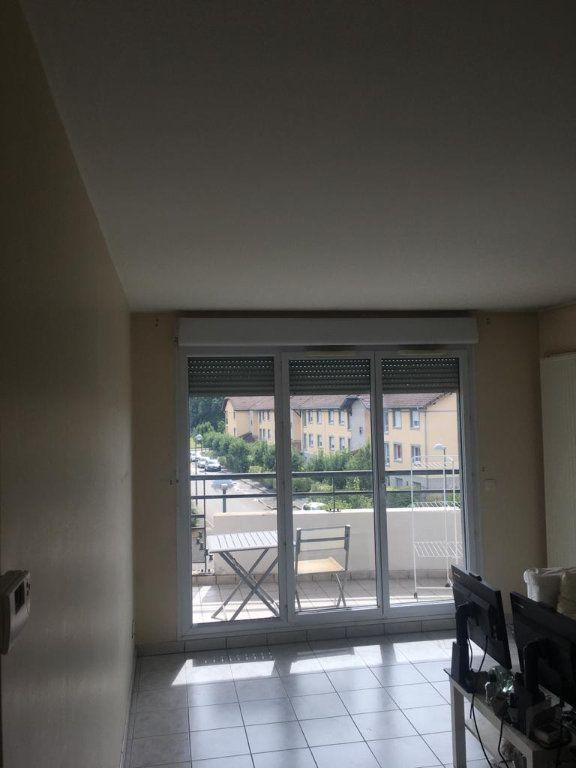 Appartement à louer 2 48.4m2 à Saint-Genis-Pouilly vignette-2