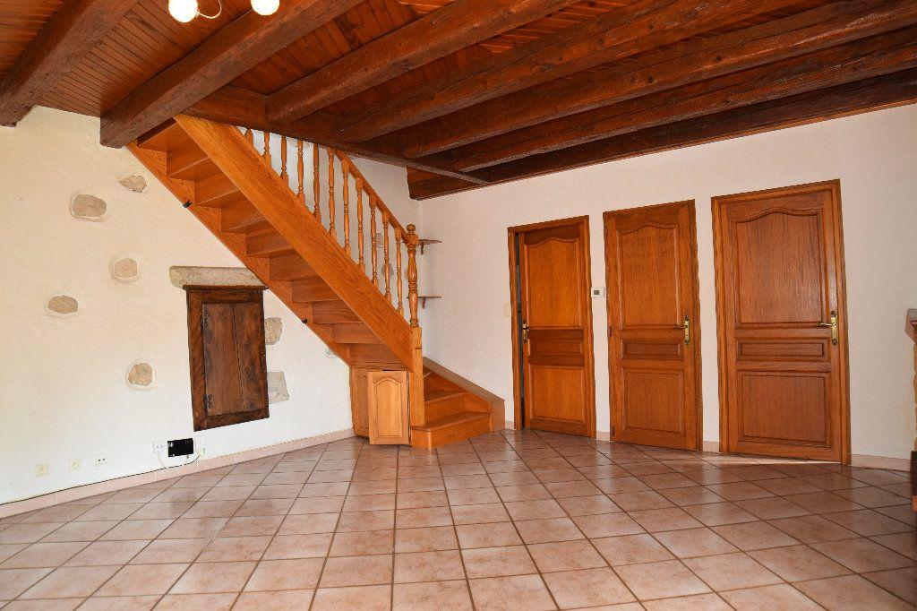 Maison à louer 4 117.83m2 à Thoiry vignette-2