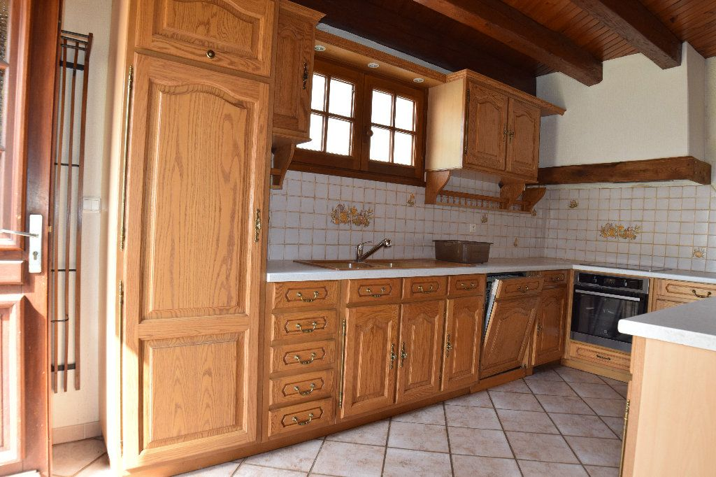 Maison à louer 4 117.83m2 à Thoiry vignette-3