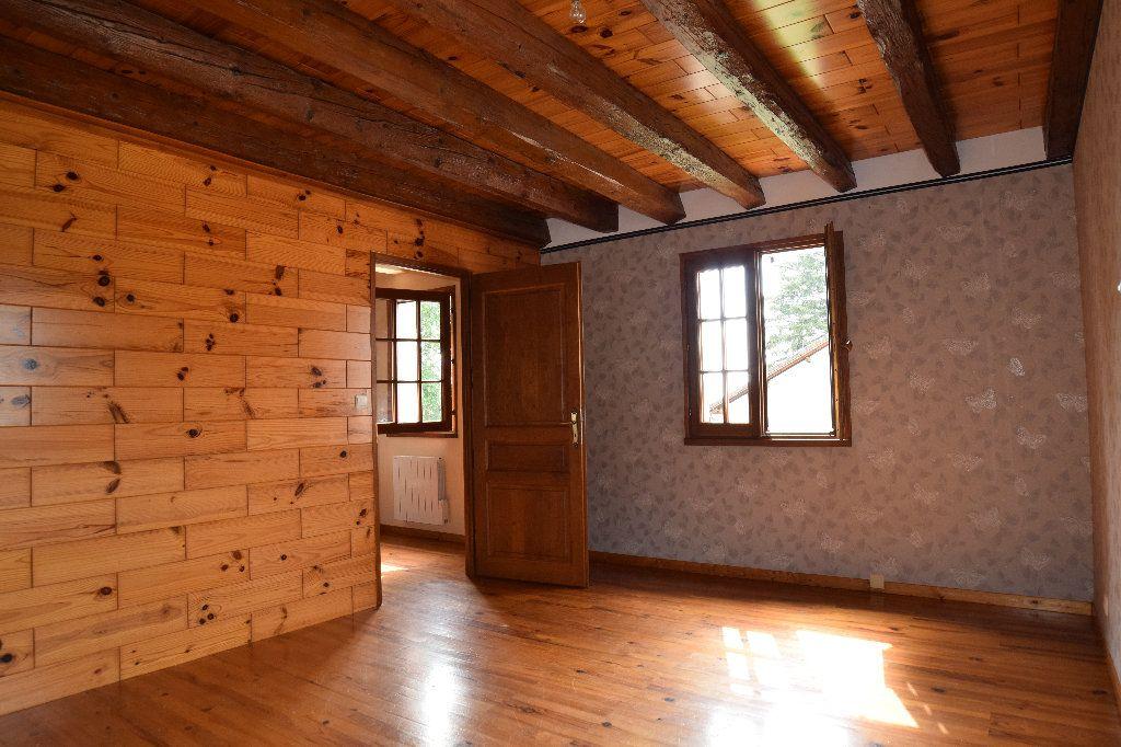 Maison à louer 4 117.83m2 à Thoiry vignette-7