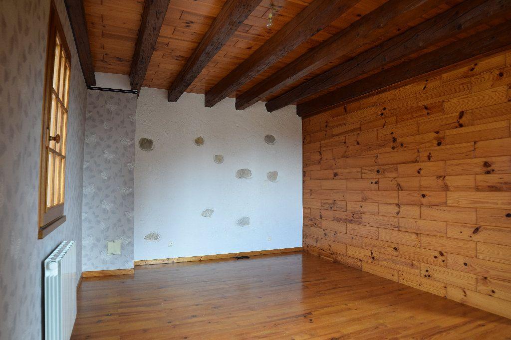 Maison à louer 4 117.83m2 à Thoiry vignette-8