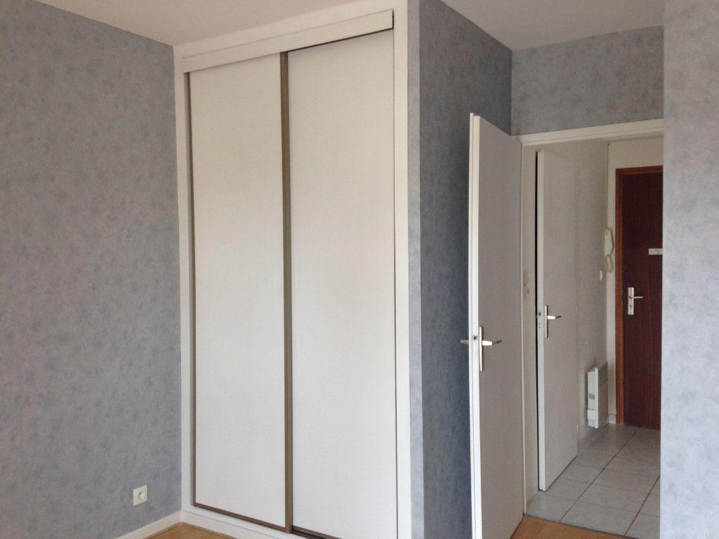 Appartement à louer 2 37m2 à Divonne-les-Bains vignette-3