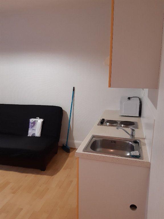 Appartement à louer 1 15.98m2 à Gex vignette-4