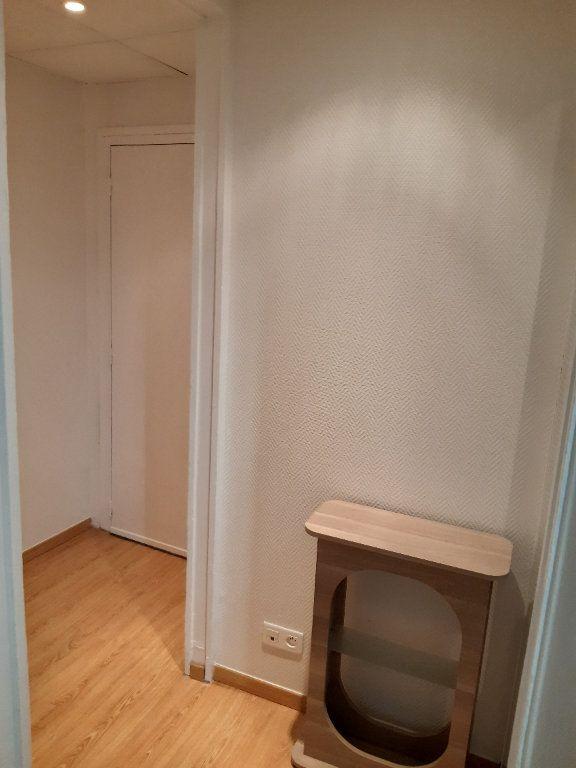 Appartement à louer 1 15.98m2 à Gex vignette-7