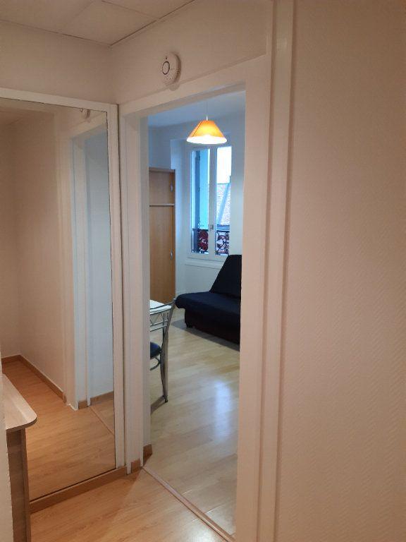 Appartement à louer 1 15.98m2 à Gex vignette-8