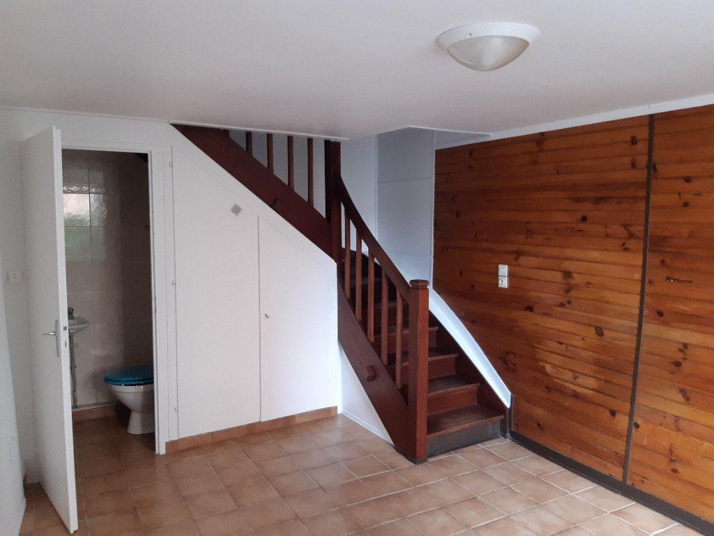 Maison à louer 3 76.32m2 à Grilly vignette-5