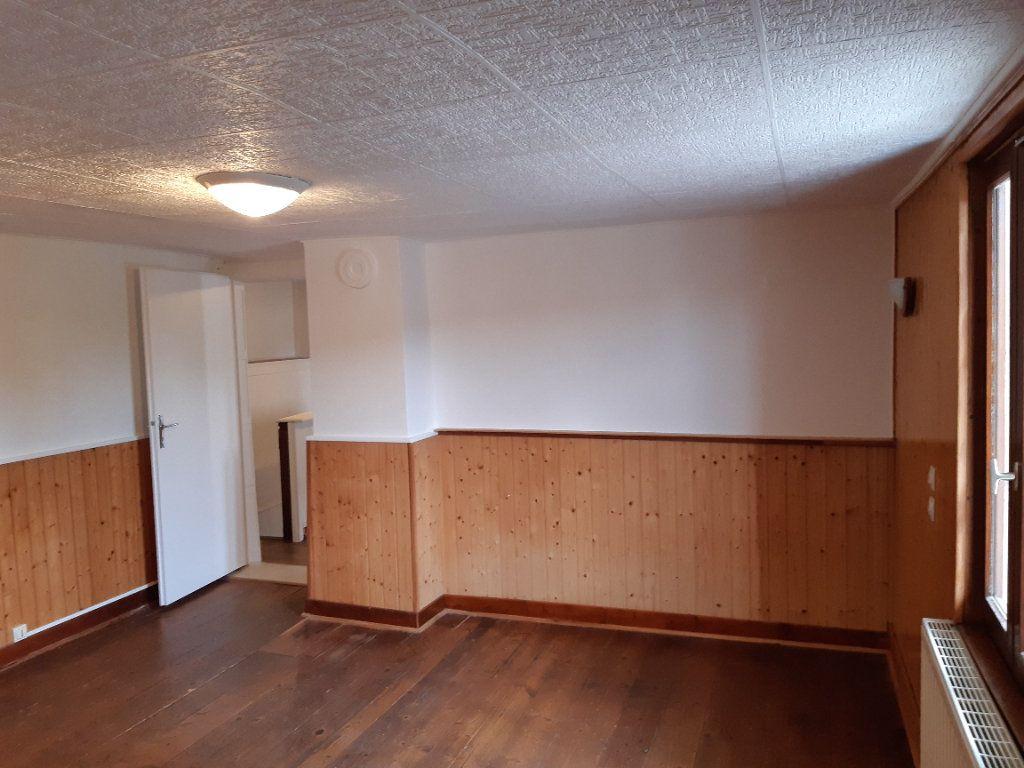 Maison à louer 3 76.32m2 à Grilly vignette-7