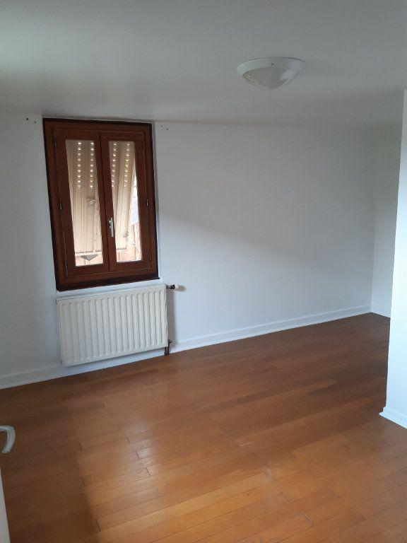 Maison à louer 3 76.32m2 à Grilly vignette-8
