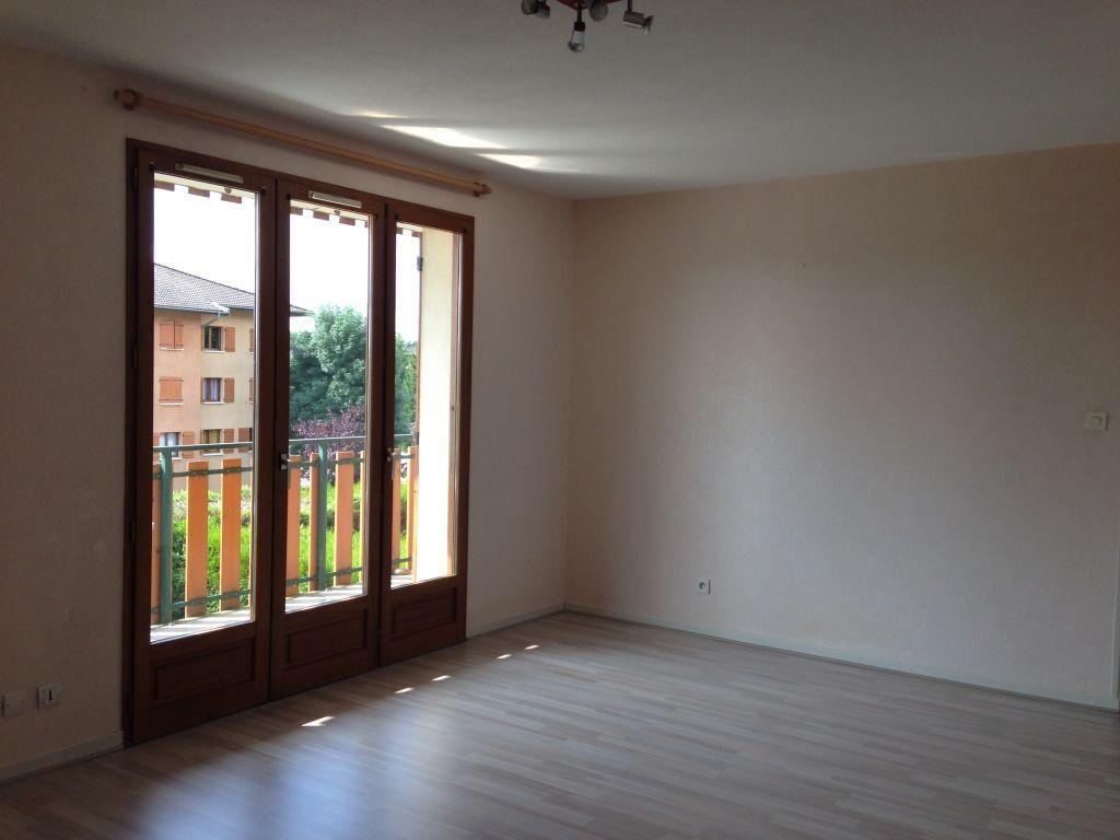 Appartement à louer 2 50.23m2 à Gex vignette-3