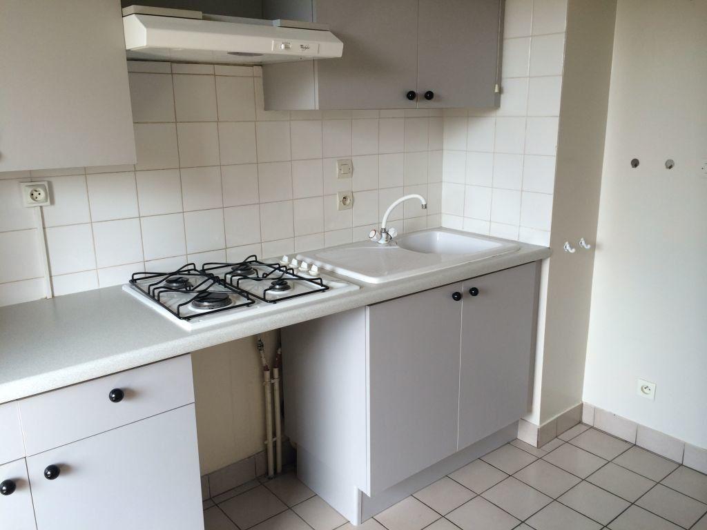 Appartement à louer 2 50.23m2 à Gex vignette-4