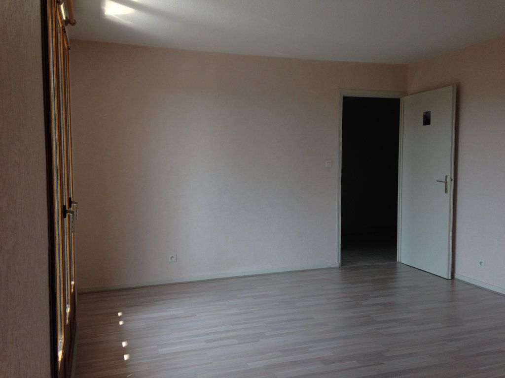 Appartement à louer 2 50.23m2 à Gex vignette-8