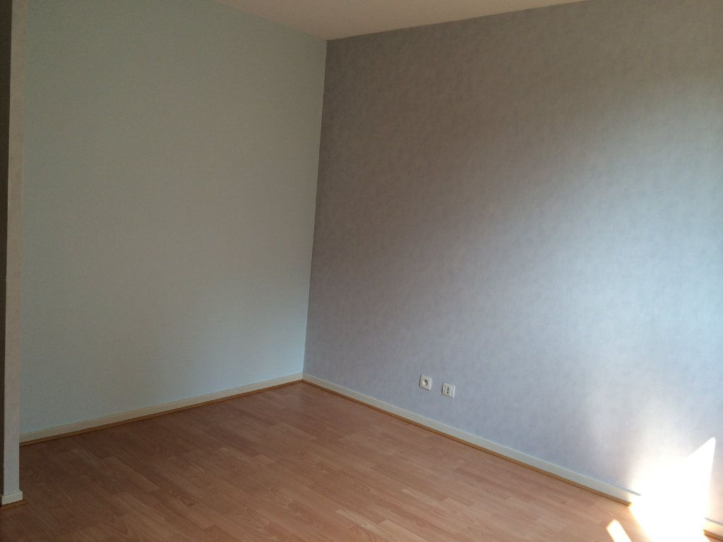 Appartement à louer 2 50.23m2 à Gex vignette-9