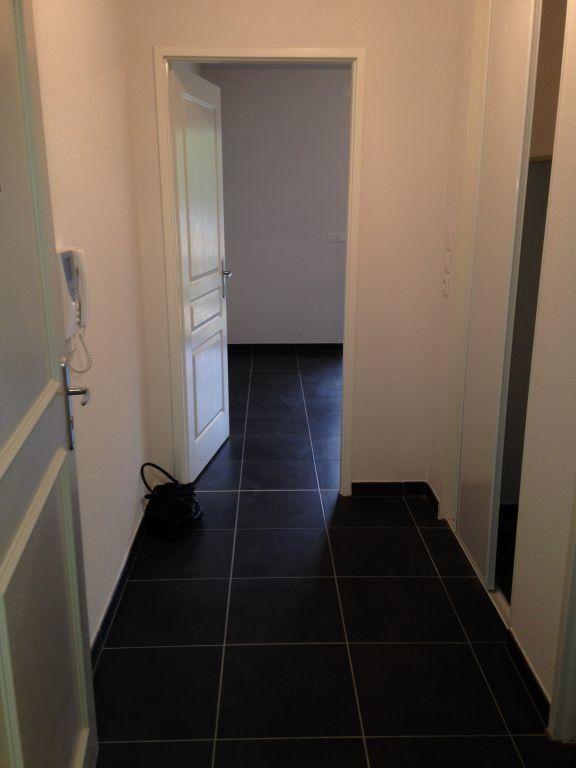 Appartement à louer 1 27.27m2 à Gex vignette-2
