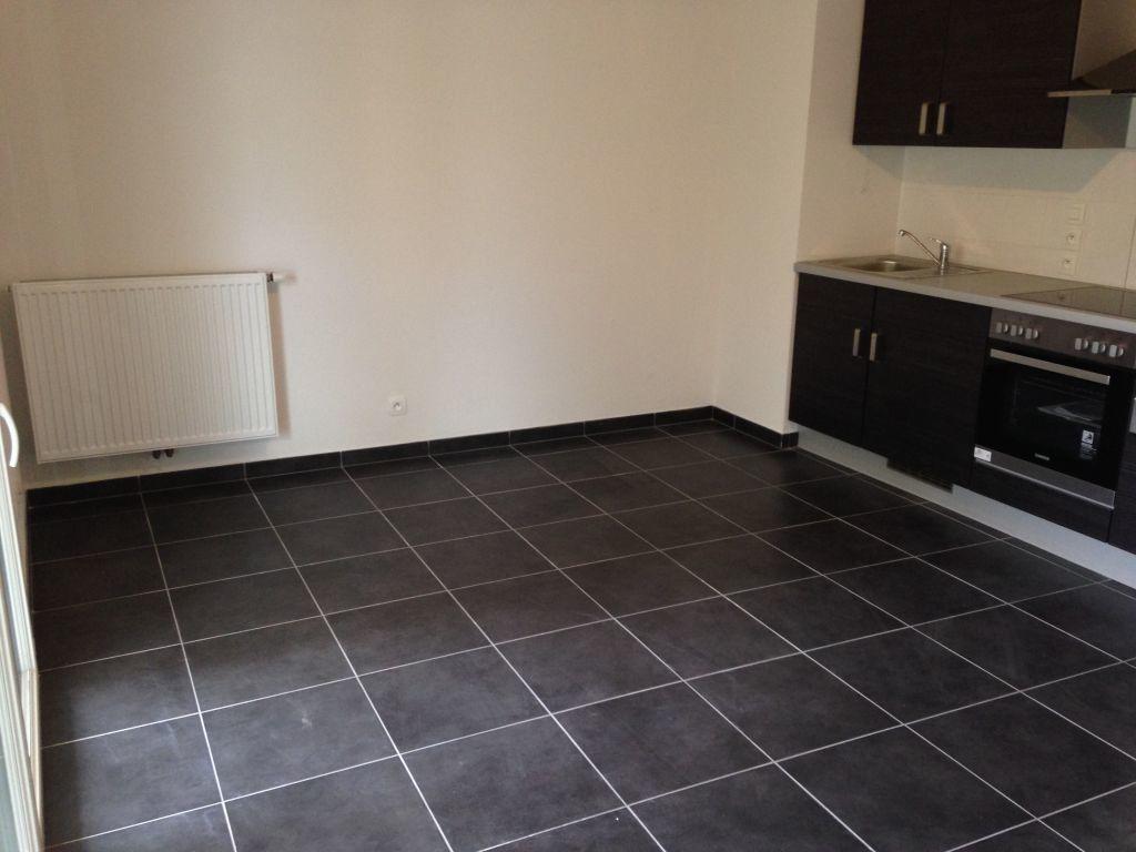 Appartement à louer 1 27.27m2 à Gex vignette-3