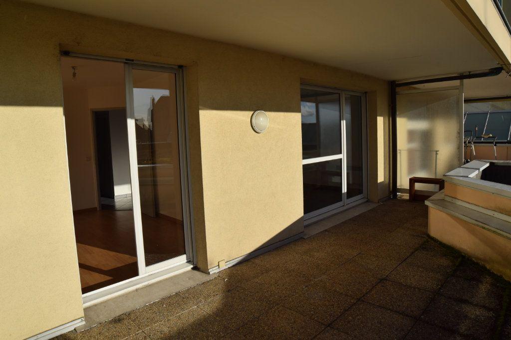 Appartement à louer 2 47m2 à Gex vignette-3