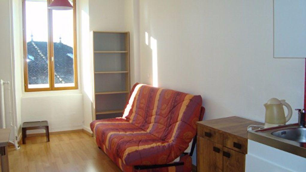 Appartement à louer 1 20m2 à Gex vignette-3
