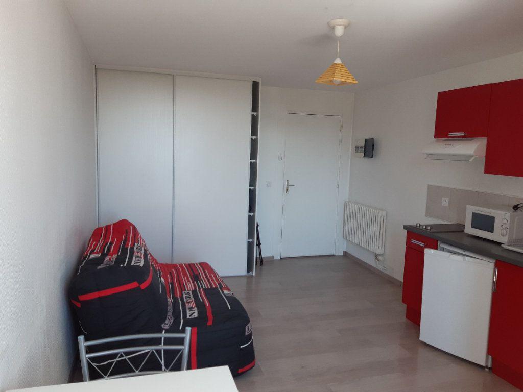 Appartement à louer 1 19.36m2 à Gex vignette-2