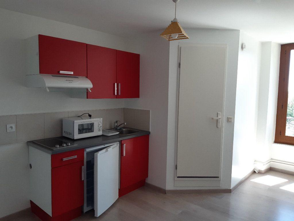 Appartement à louer 1 19.36m2 à Gex vignette-3