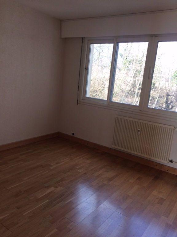 Appartement à louer 3 78.7m2 à Gex vignette-4