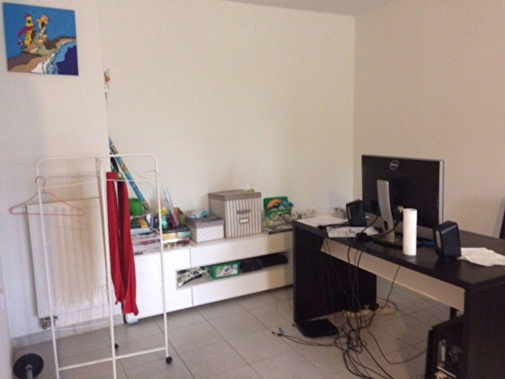Appartement à louer 2 47.85m2 à Gex vignette-5