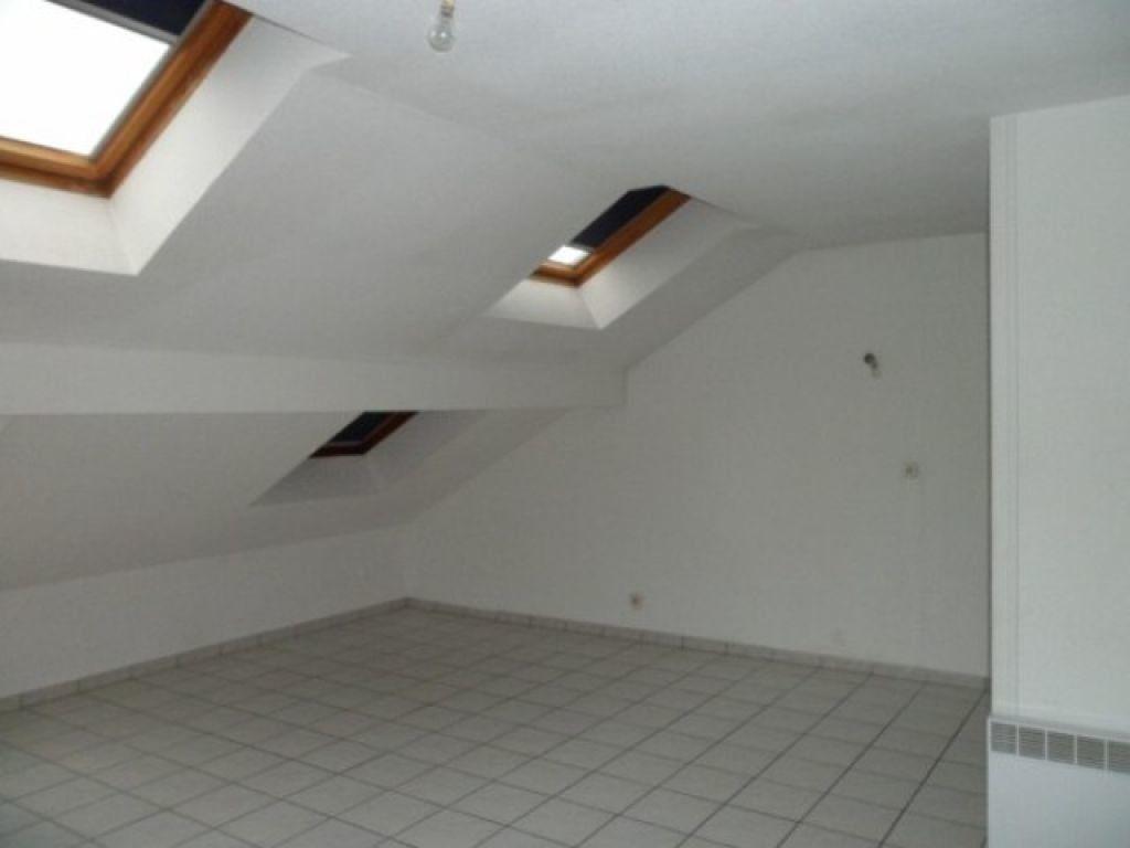 Appartement à louer 1 29.62m2 à Cessy vignette-2