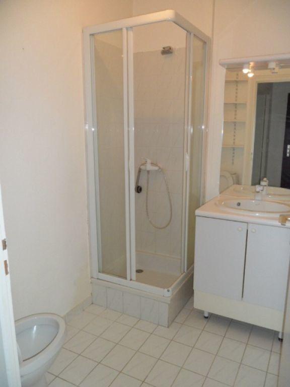 Appartement à louer 1 29.62m2 à Cessy vignette-5
