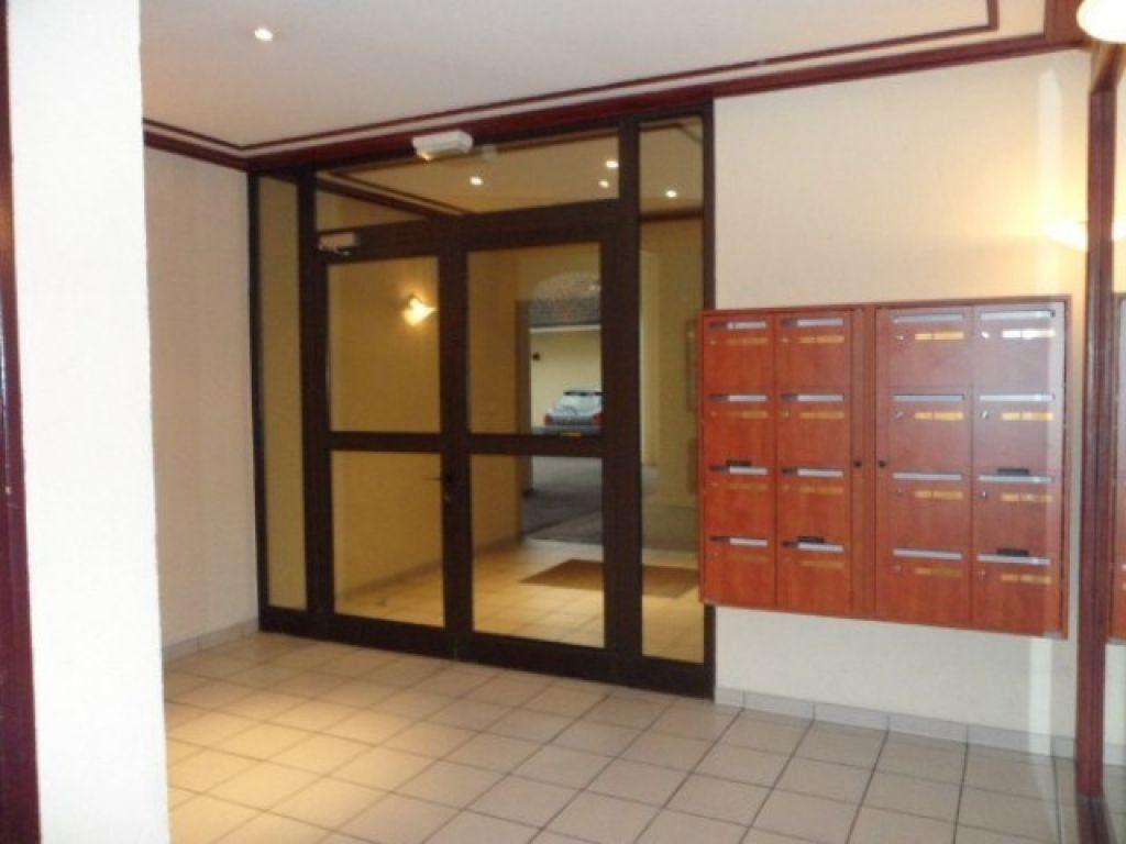 Appartement à louer 1 29.62m2 à Cessy vignette-6
