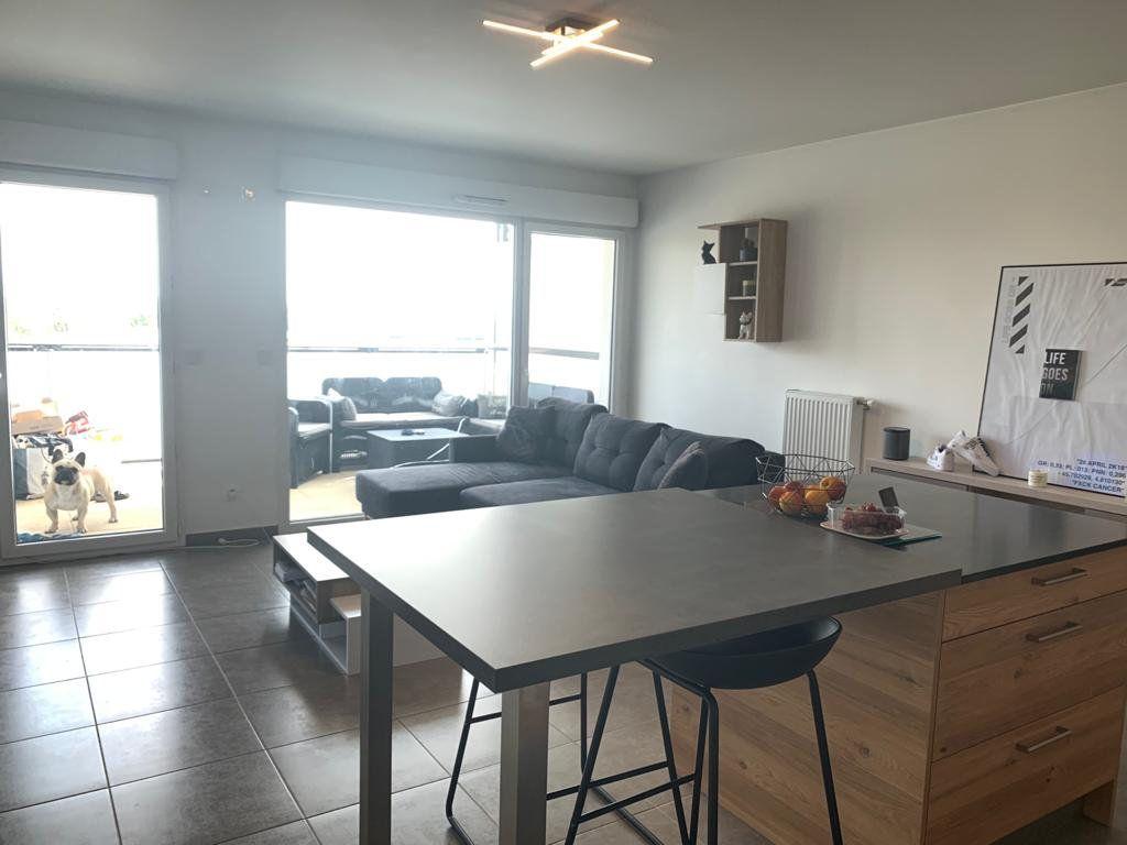 Appartement à louer 3 66.19m2 à Gex vignette-3
