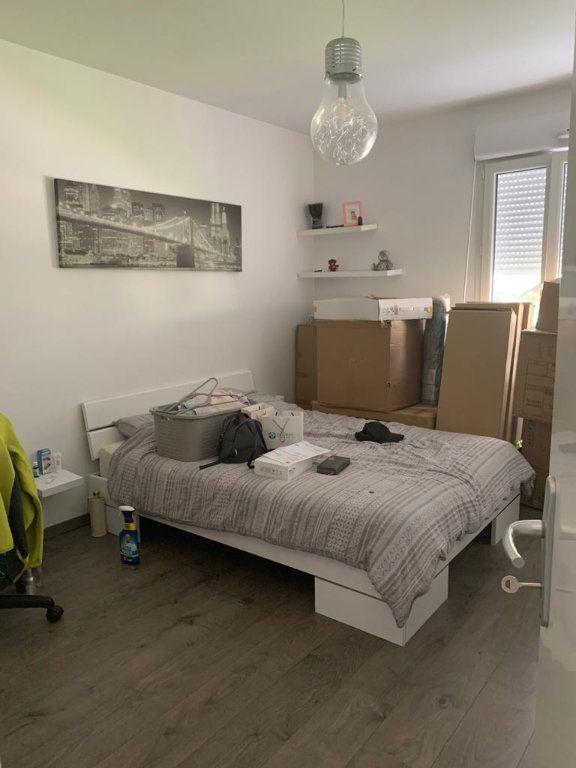 Appartement à louer 3 66.19m2 à Gex vignette-4
