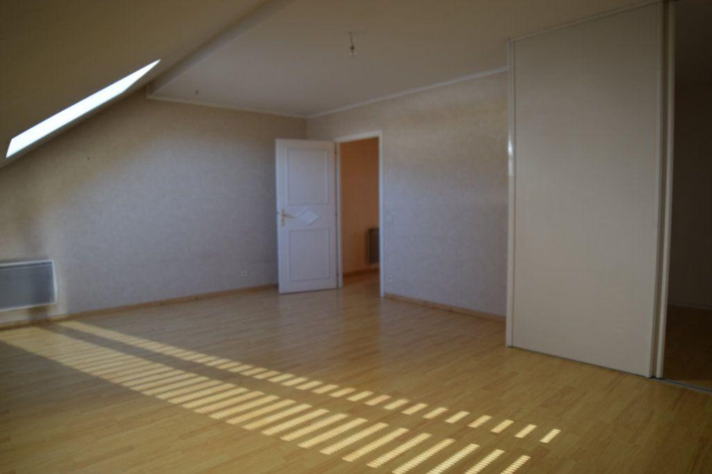 Appartement à louer 4 130.53m2 à Gex vignette-5