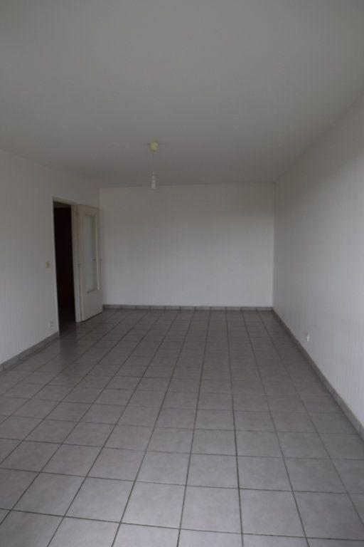 Appartement à louer 2 54.51m2 à Gex vignette-7