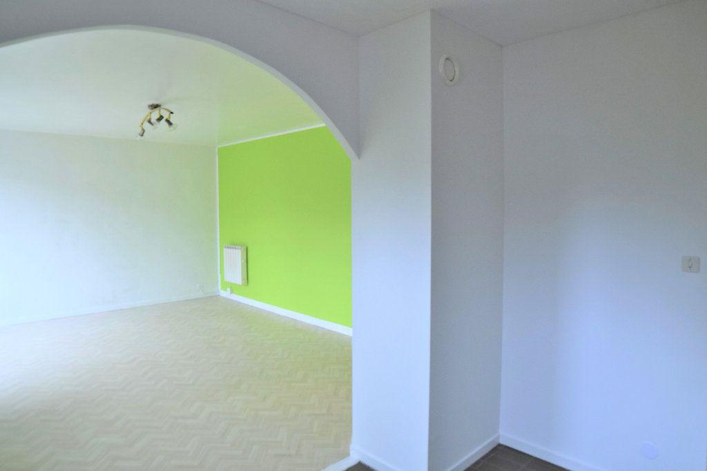Appartement à vendre 4 78.05m2 à Gex vignette-2