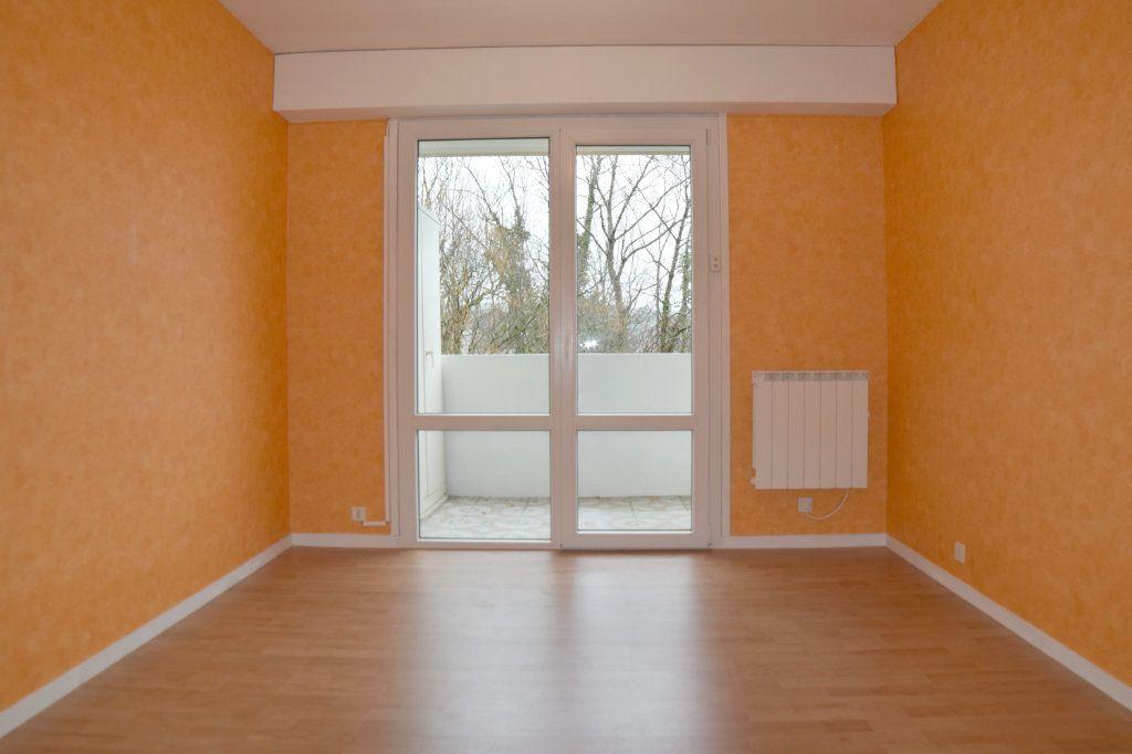 Appartement à vendre 4 78.05m2 à Gex vignette-3