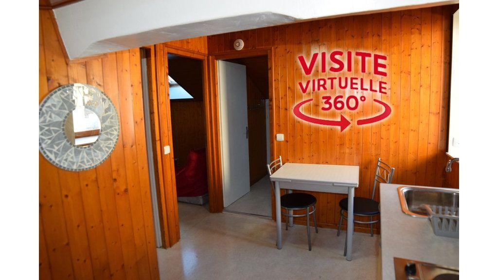Appartement à louer 2 31.68m2 à Gex vignette-1
