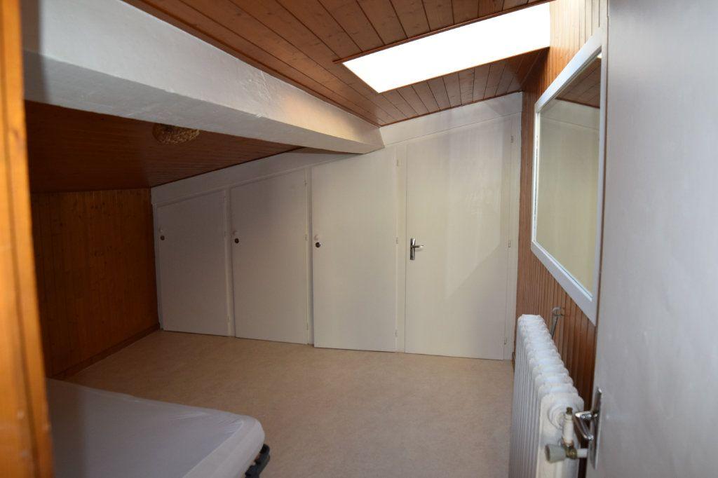 Appartement à louer 2 31.68m2 à Gex vignette-4