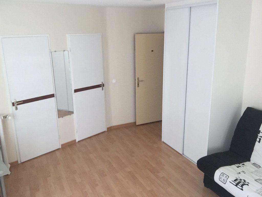 Appartement à louer 1 23.5m2 à Gex vignette-7