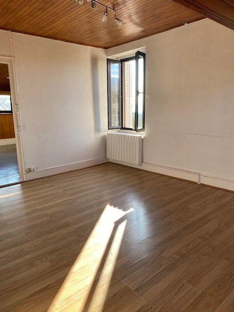 Appartement à louer 2 54m2 à Gex vignette-3