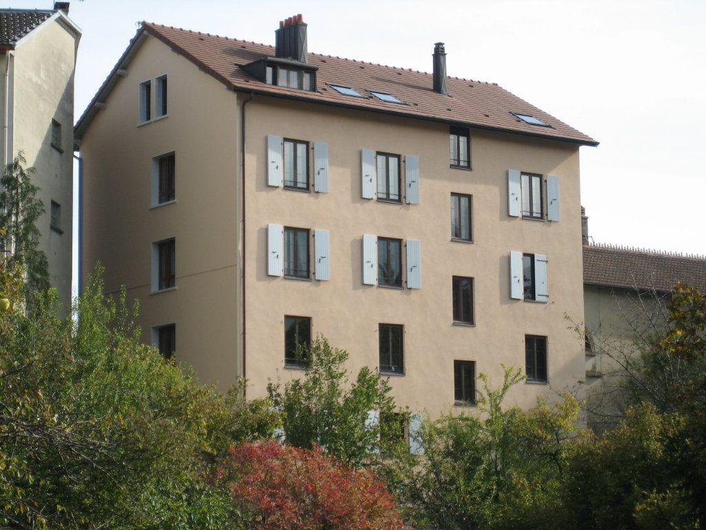 Appartement à louer 2 54m2 à Gex vignette-6