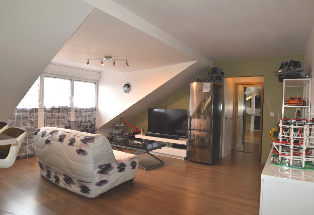 Appartement à louer 2 42.7m2 à Gex vignette-1