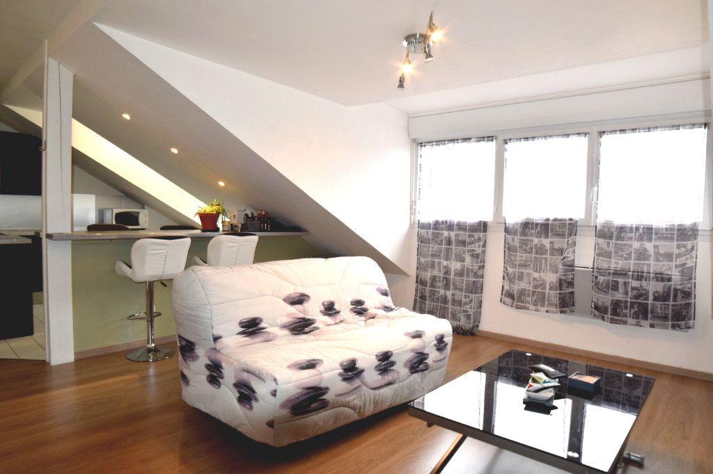 Appartement à louer 2 42.7m2 à Gex vignette-5