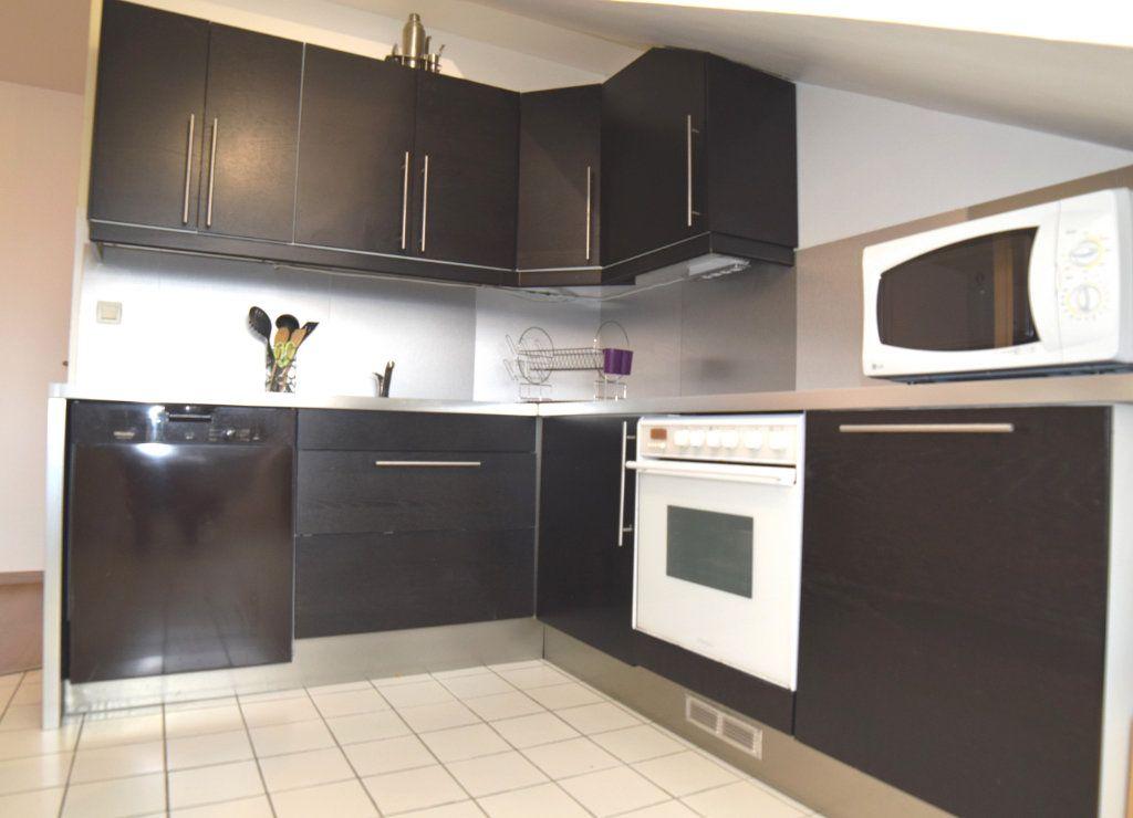 Appartement à louer 2 42.7m2 à Gex vignette-6