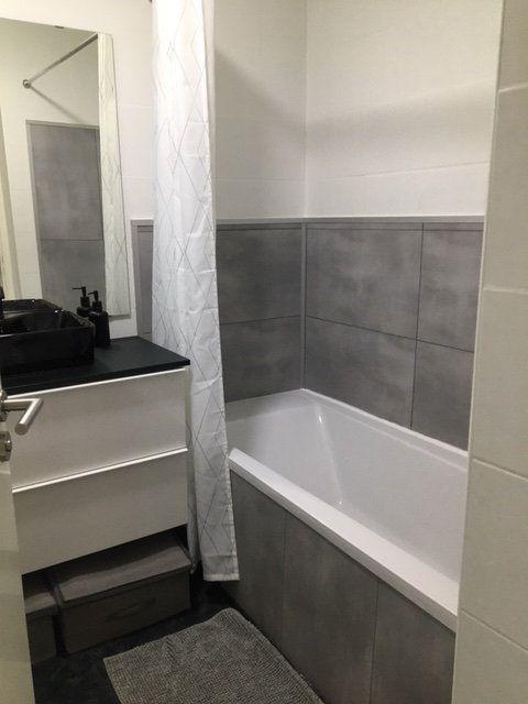 Appartement à louer 3 67.54m2 à Saint-Julien-en-Genevois vignette-7