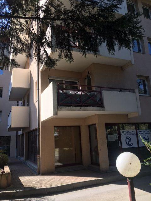 Appartement à louer 3 67.54m2 à Saint-Julien-en-Genevois vignette-9
