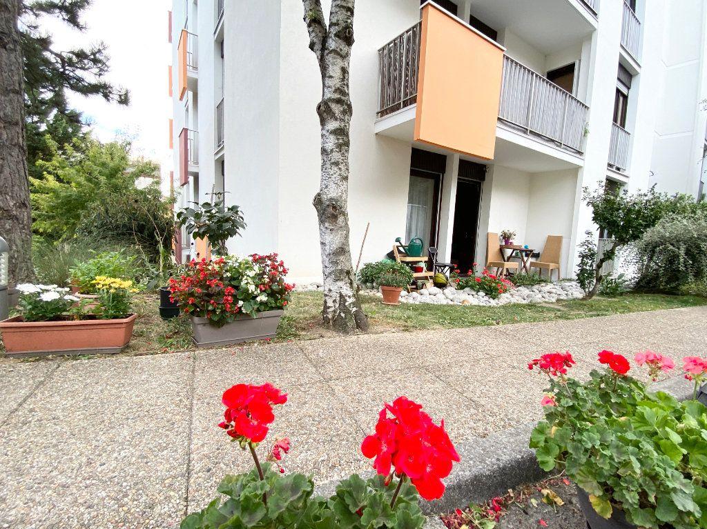 Appartement à vendre 2 55.12m2 à Gaillard vignette-1