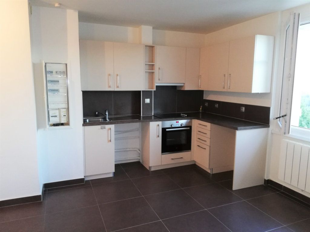 Appartement à louer 2 39m2 à Monnetier-Mornex vignette-1